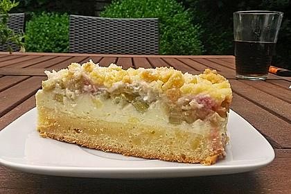 Rhabarberkuchen mit Vanillecreme und Streusel 78