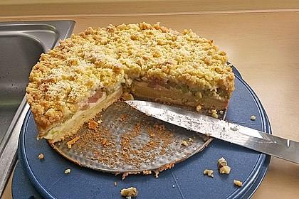 Rhabarberkuchen mit Vanillecreme und Streusel 209