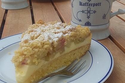 Rhabarberkuchen mit Vanillecreme und Streusel 2