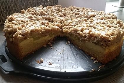 Rhabarberkuchen mit Vanillecreme und Streusel 90