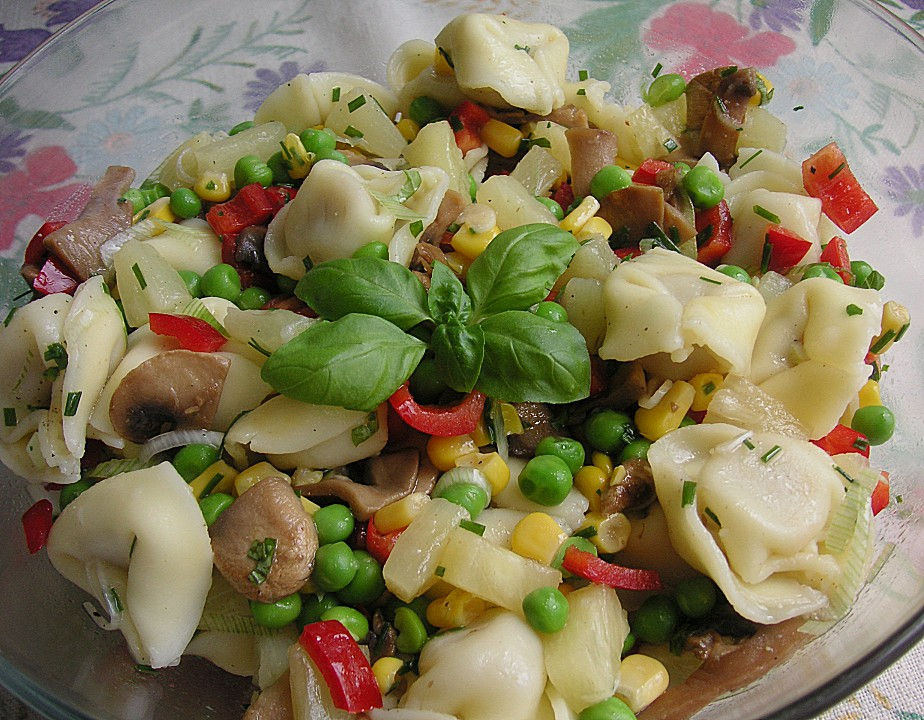tortellini salat rezept mit bild von wiktorija. Black Bedroom Furniture Sets. Home Design Ideas