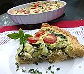 Gemüsekuchen mit Kirschtomaten und Zucchini