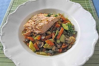 Lachs auf Gemüse aus dem Ofen 1