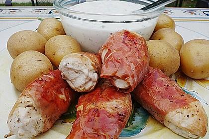 Hähnchenbrust mit frischen Kräutern und Parmaschinken