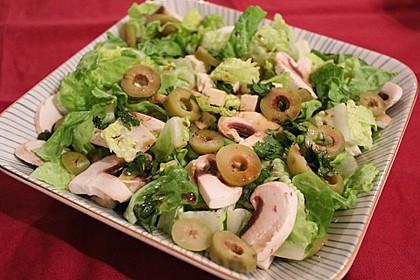 Grüner Salat mit Feta und Pilzen