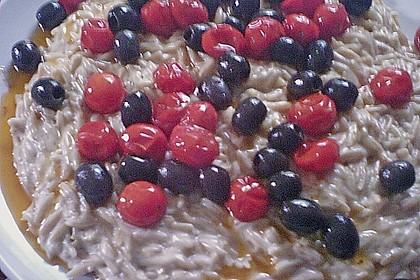 Kritharaki Nudeln mit geschmolzenen Kirschtomaten und Oliven 3