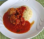 Auroras Hackfleischbällchen in süßer Tomaten-Paprika-Sauce mit Bulgur