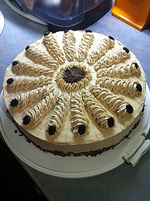mocca buttercreme torte rezept mit bild von ep1312. Black Bedroom Furniture Sets. Home Design Ideas