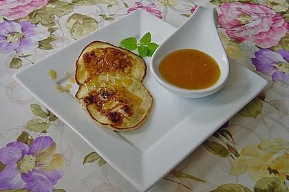 Pancakes mit Himbeeren und einem Feigen-Orangensirup