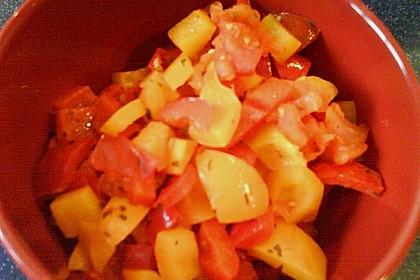 Bauernpfanne mit Kartoffeln und Paprika