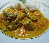 Möhrengulasch mit Ingwer und Currysahne