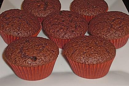 Double Chocolate Cream Cupcakes 19