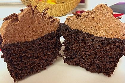 Double Chocolate Cream Cupcakes 17