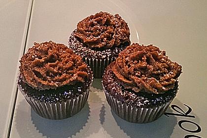 Double Chocolate Cream Cupcakes 26