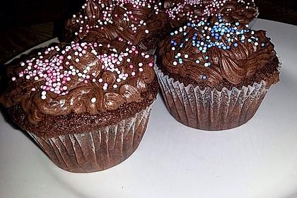 Double Chocolate Cream Cupcakes 12