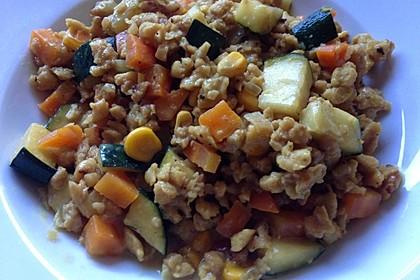 Mein cremiges, veganes Erdnusspfännchen mit Gemüse und Soja 5