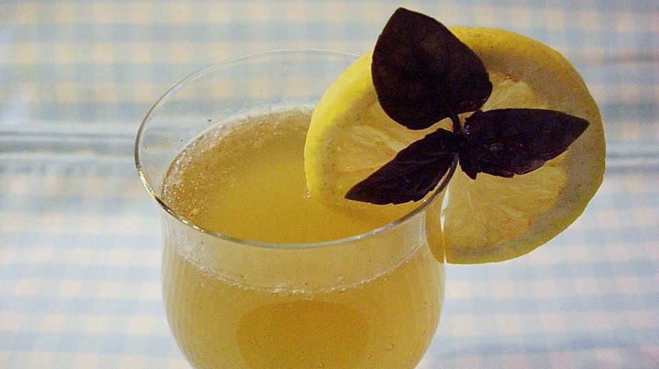 ingwer basilikum limonade rezept mit bild von sonidomi. Black Bedroom Furniture Sets. Home Design Ideas