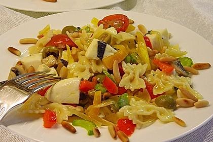 Lauwarmer Nudelsalat mit Mozzarella 4