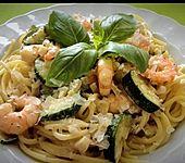 Spaghetti in Zucchini-Shrimps Sahnesauce