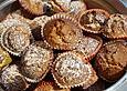 Muffins mit Mandeln, weißer Schokolade und Marzipan