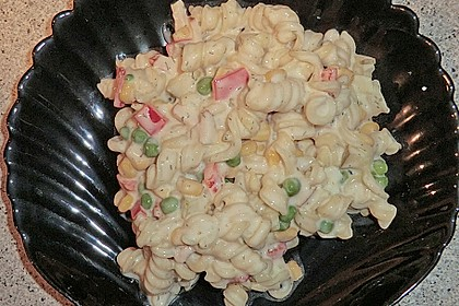 Bunter Nudelsalat grün-rot-gelb 8