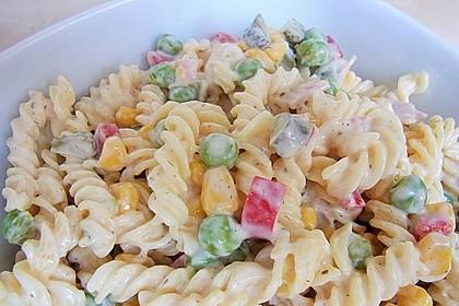 Bunter Nudelsalat grün-rot-gelb 2