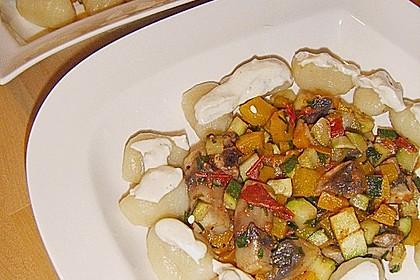 Gnocchi mit Ratatouillegemüse und Frischkäsesoße