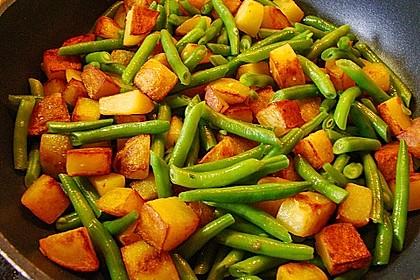 Würzige Kartoffel-grüne Bohnen Pfanne 13