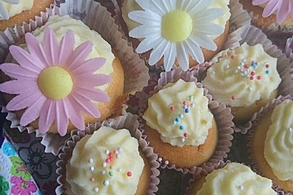Zitronen-Cupcakes mit Creamcheese-Frosting 41