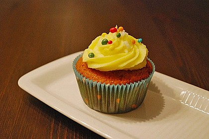 Zitronen-Cupcakes mit Creamcheese-Frosting 23