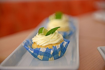 Zitronen-Cupcakes mit Creamcheese-Frosting 14