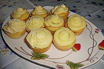 Zitronen-Cupcakes mit Creamcheese-Frosting 39