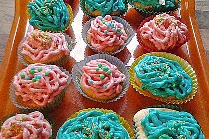 Zitronen-Cupcakes mit Creamcheese-Frosting 83