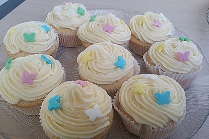 Zitronen-Cupcakes mit Creamcheese-Frosting 25