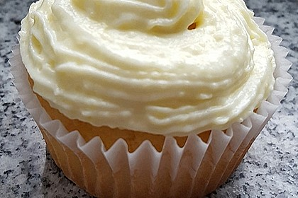 Zitronen-Cupcakes mit Creamcheese-Frosting 44