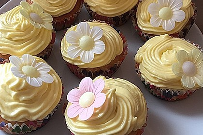 Zitronen-Cupcakes mit Creamcheese-Frosting 9