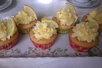Zitronen-Cupcakes mit Creamcheese-Frosting 20