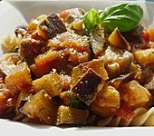 Zucchini-Auberginen Soße mit Nudeln (Bild)