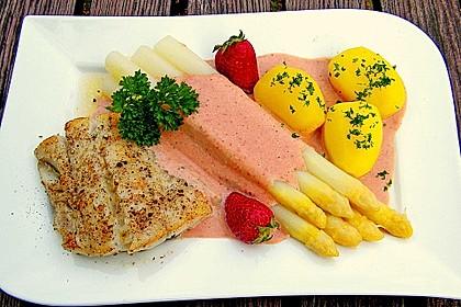 Seelachs mit Spargel und Erdbeeren