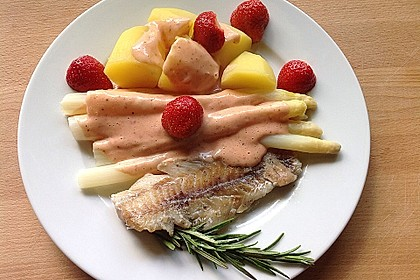 Seelachs mit Spargel und Erdbeeren 1
