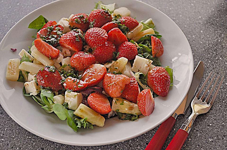 lauwarmer spargelsalat mit feta k se und erdbeeren rezept mit bild. Black Bedroom Furniture Sets. Home Design Ideas