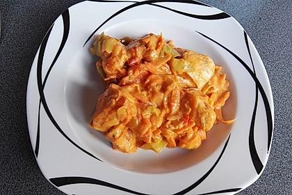 Zucchini-Karotten-Bandnudeln mit Hähnchen und Tomate 33