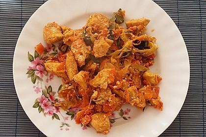 Zucchini-Karotten-Bandnudeln mit Hähnchen und Tomate 6