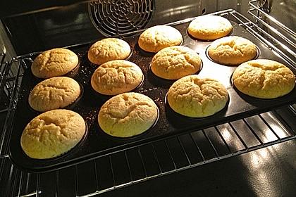 Quark-Zimt Muffins 18