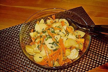 Kartoffelsalat mit Möhren