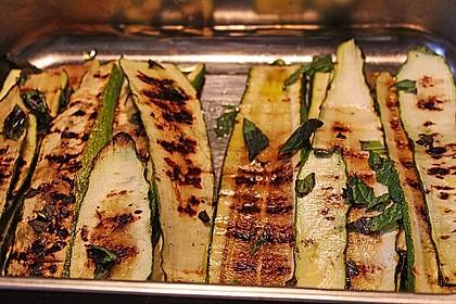 Gegrillte Zucchini mit Minze 1