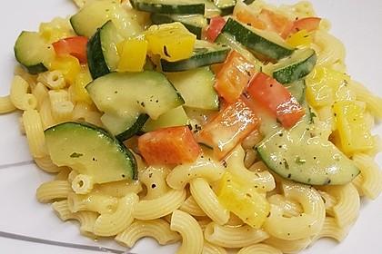 Zucchini-Paprika Nudeln 6