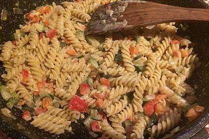 Zucchini-Paprika Nudeln 5