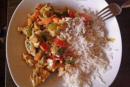 Cremiges Curry-Hühnchen mit Gemüse 12
