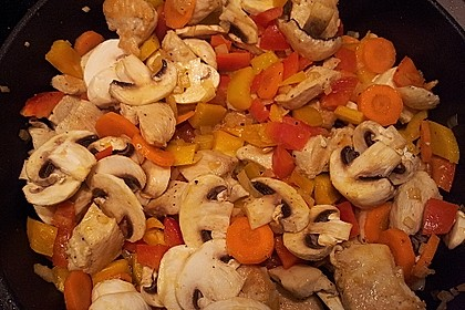Cremiges Curry-Hühnchen mit Gemüse 14